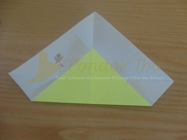 cara membuat origami wajah bebek tahap 2