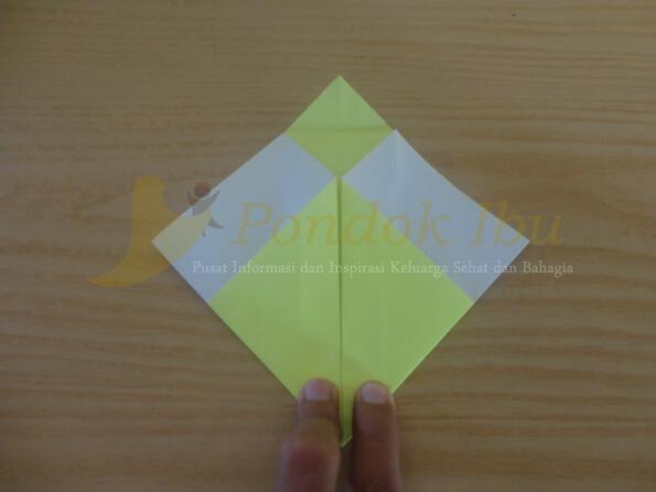 cara membuat origami wajah bebek tahap 3