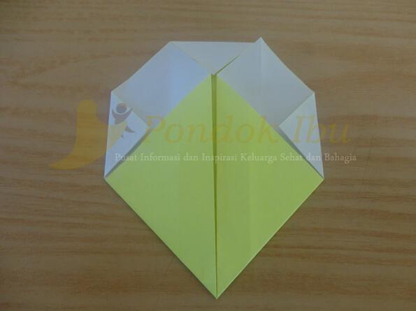 cara membuat origami wajah bebek tahap 4