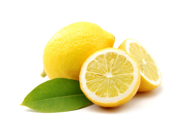 memutihkan wajah dengan jeruk