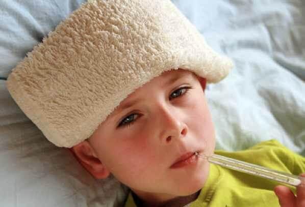 mengatasi demam pada anak
