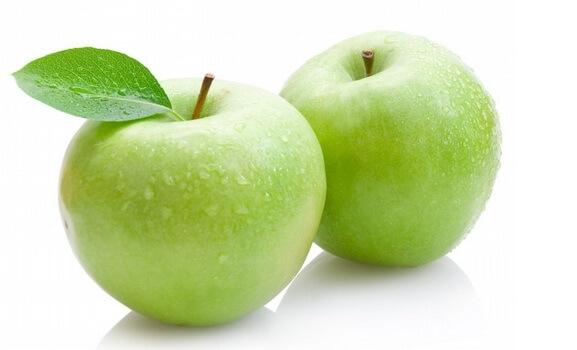 merawat rambut dengan apel
