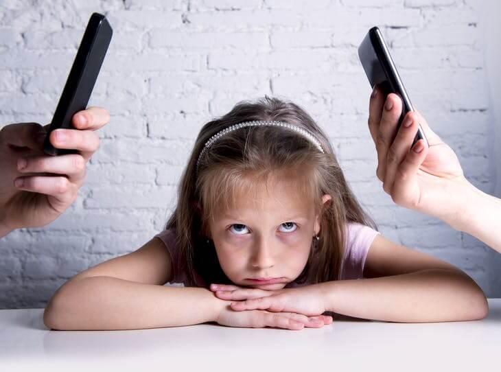 Dampak orangtua kecanduan gadget