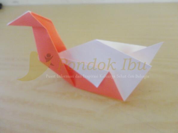 membuat origami angsa
