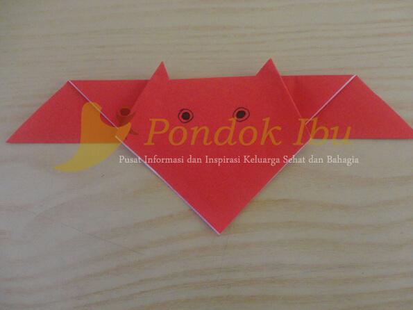 cara membuat origami kelelawar tahap 8