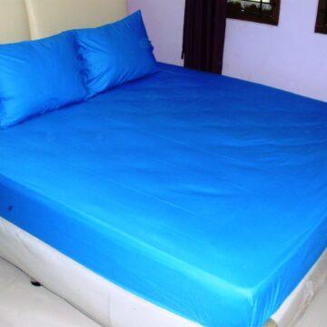 Sprei Waterproof Biru
