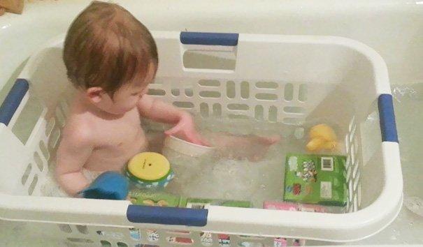 Tips aman bagi anak untuk mandi di bath up